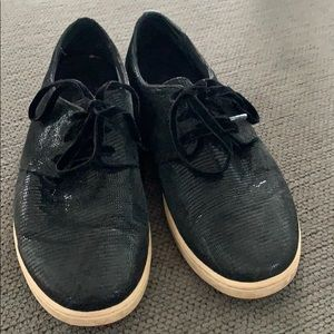 Vionic Taylor Palermo Black Laceup Casual Sneakers